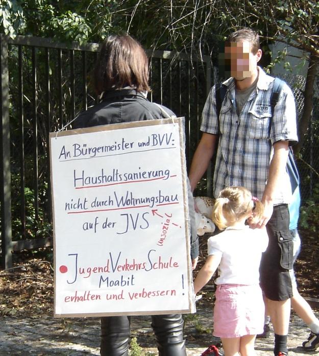 Informieren und Unterschriften sammeln: Jugendverkehrsschule Moabit erhalten und verbessern !